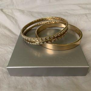 🌟NWOT Gold Jeweled Bangle Bracelet Set🌟
